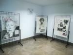 el lunes inauguramos la expo sobre Julia Uceda