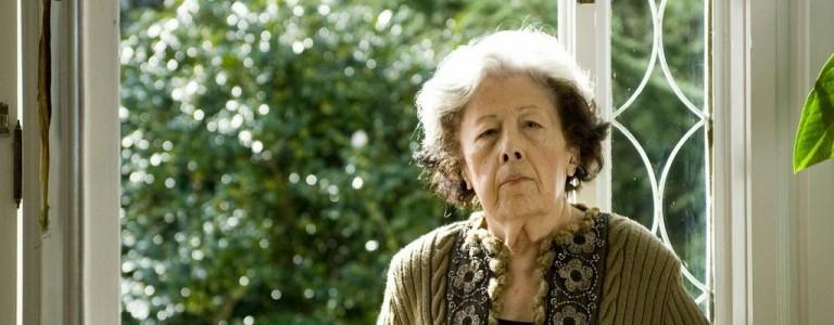 Julia Uceda, la poeta, en el Club de Lectura